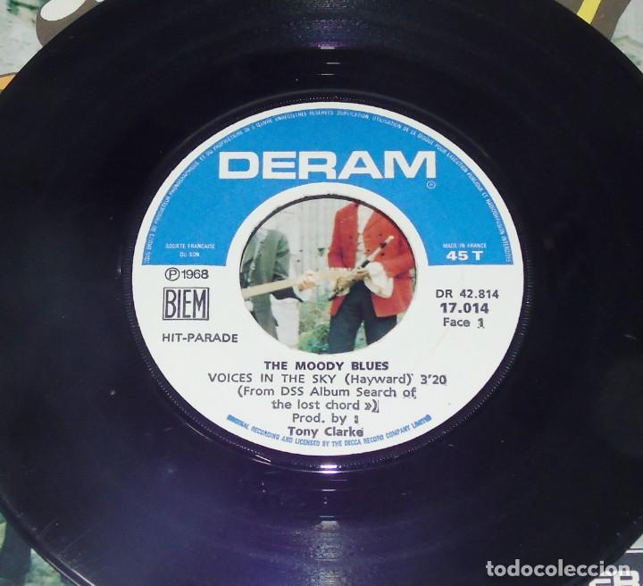 Discos de vinilo: THE MOODY BLUES ---VOICES IN THE SKY & DR. LIVINGSTONES, I PRESUME - EDICION AÑO 1968 VG++ - Foto 4 - 196368731