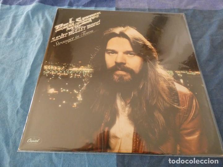 LP USA 1978 BOB SEGER AND THE SILVER BULLET BAND STRANGER IN TOWN BUEN ESTADO (Música - Discos de Vinilo - EPs - Pop - Rock Extranjero de los 70)