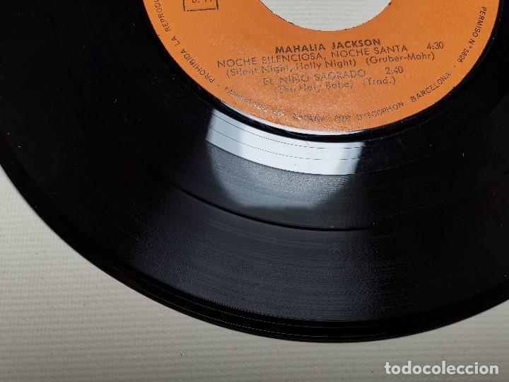 Discos de vinilo: MAHALIA JACKSON - WHITE CHRISTMAS + 3 - EP 5925 CBS 1966 - Foto 11 - 197761900