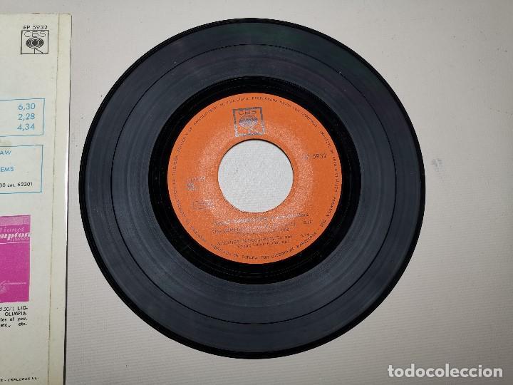 Discos de vinilo: LOUIS ARMSTRONG / LA CUCARACHA / OLD MAN MOSE + 2 (EP 1965) - Foto 7 - 197763876