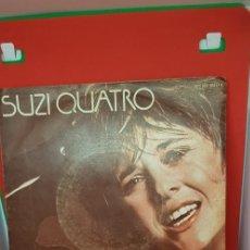 Discos de vinilo: SUZI QUATRO 'ESTÁ ENAMORADA DE TI' SINGLE. Lote 197779037