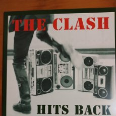 Discos de vinilo: THE CLASH. HITS BACK. TRIPLE LP. CONTIENE EL PÓSTER.. Lote 197970270