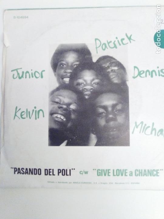 Discos de vinilo: MUSICAL YOUTH Pasando del poli / Give love a chance ( 1982 MCA RECORDS ESPAÑA ) - Foto 2 - 198056135