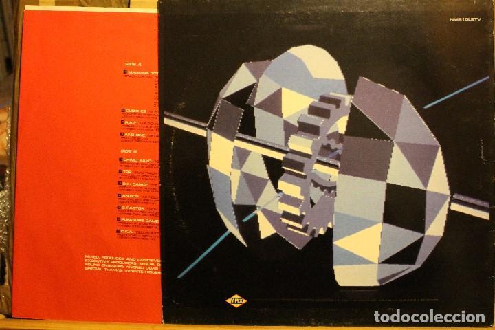 Discos de vinilo: MAQUINA TOTAL 2 MEGAMIX / 1991 MAX RECORDS NM510LETV - Foto 2 - 198583202
