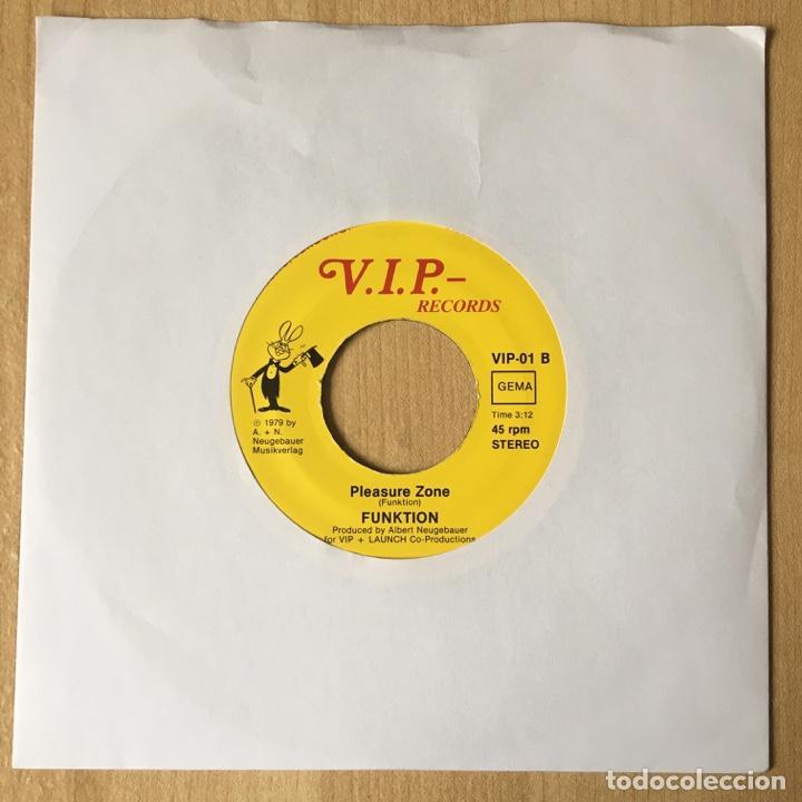 Discos de vinilo: Funktion – Here Comes The One / Pleasure Zone, Germany 1979 V.I.P. Recordings - Foto 2 - 198890928