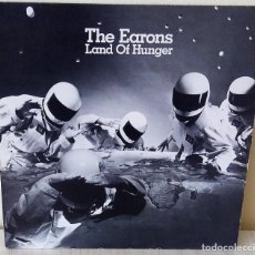 Discos de vinilo: THE EARONS - LAND OF HUNGER MAXI ISLAND EDIC. AMERICANA - 1984. Lote 199110723