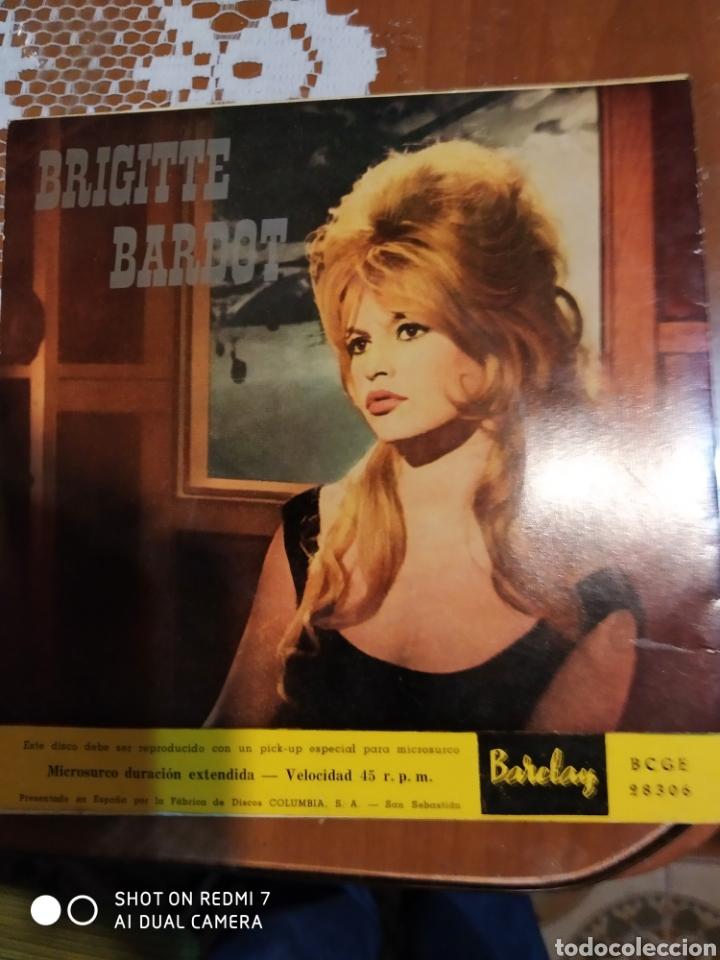 Discos de vinilo: Brigitte Bardot. Tenna pena de mim.+ 3 es un EP - Foto 4 - 199340410
