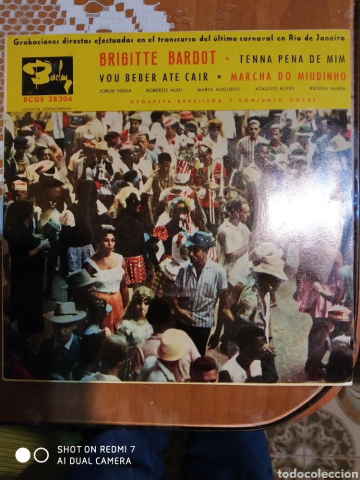 BRIGITTE BARDOT. TENNA PENA DE MIM.+ 3 ES UN EP (Música - Discos de Vinilo - EPs - Canción Francesa e Italiana)