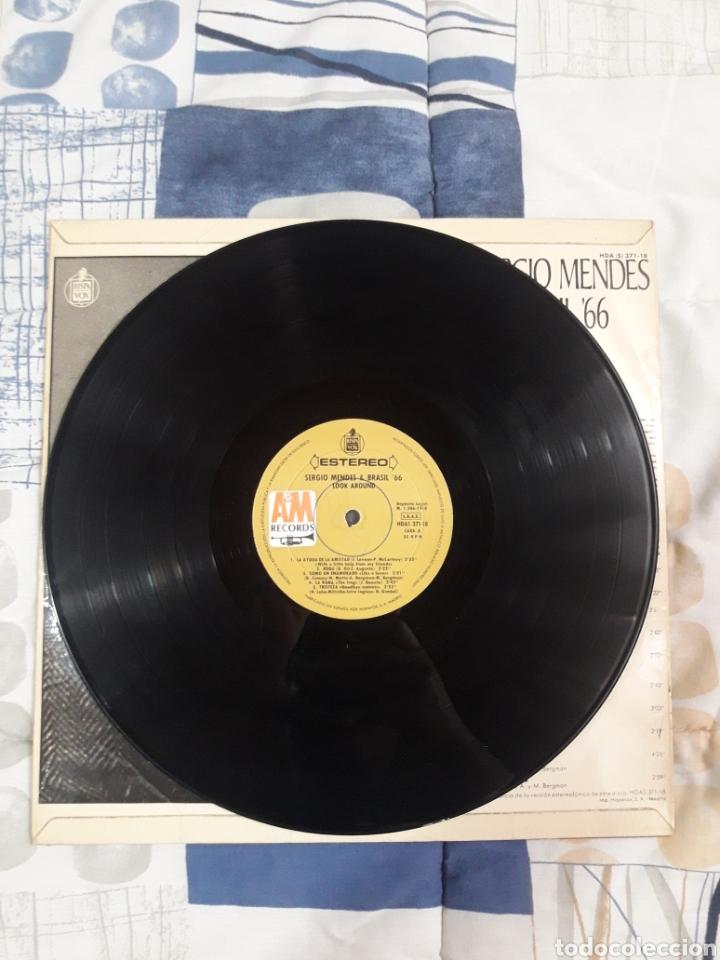 Discos de vinilo: DISCO SERGIO MENDES, BRASIL 66, LOOK AROUND - Foto 3 - 199503995
