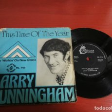 Discos de vinilo: SINGLE LARRY CUNNINGHAM THIS TIME OF THE YEAR-WALKING'ON NEW GRASS, 1974 RELEASE RECORDS IRLANDA. Lote 199860565