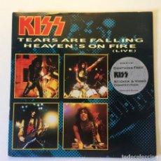 Discos de vinilo: KISS – TEARS ARE FALLING / HEAVEN'S ON FIRE (LIVE) UK 1985 VERTIGO. Lote 200122698