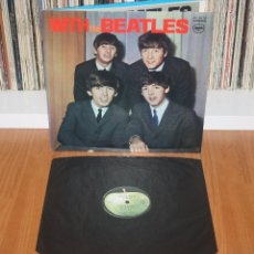 Discos de vinilo: WITH THE BEATLES 1966 JAPAN LP 1973 APPLE REISSUE AP-8678 W/ PHOTOS INSERT NM JAPON. Lote 200574235
