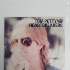 Discos de vinil: TOM PETTY AND THE HEARTBREAKERS REFUGEE / DONT DO ME LIKE THAT ( 1980 MCA RECORDS ESPAÑA ). Lote 200726471