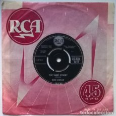 Disques de vinyle: DON GIBSON. SWEET DREAMS/ THE SAME STREET. RCA, UK 1960 SINGLE. Lote 201266763