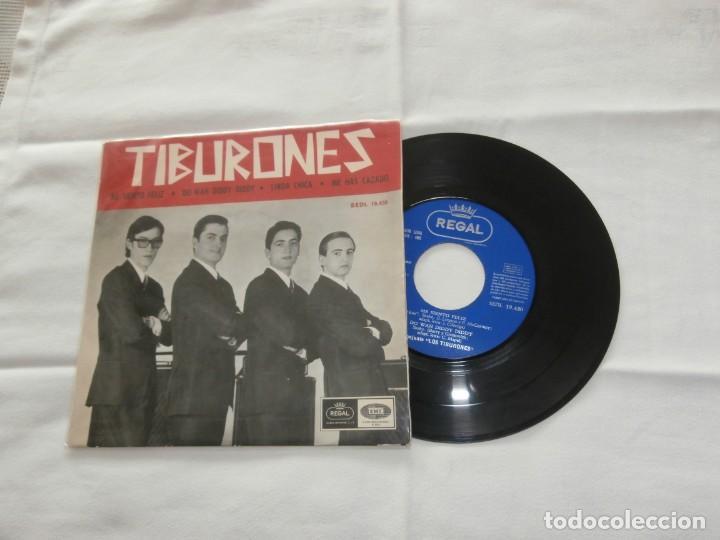LOS TIBURONES 7´EP ME SIENTO FELIZ + 3 TEMAS (1965) BUENA CONDICION **RARO** (Música - Discos de Vinilo - EPs - Grupos Españoles 50 y 60)
