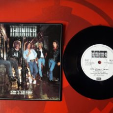Discos de vinilo: THUNDER - SINGLE VINILO SHE'S SO FINE - HARD ROCK 1989. EM 111. INGLATERRA. Lote 201711018