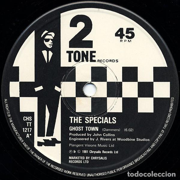 Discos de vinilo: Maxi 3 Track ESPECIAL COLECCIONISTAS-THE SPECIALS - GHOST TOWN -ORIGINAL ANALÓGICO U.K. 1981 - Foto 3 - 201855952