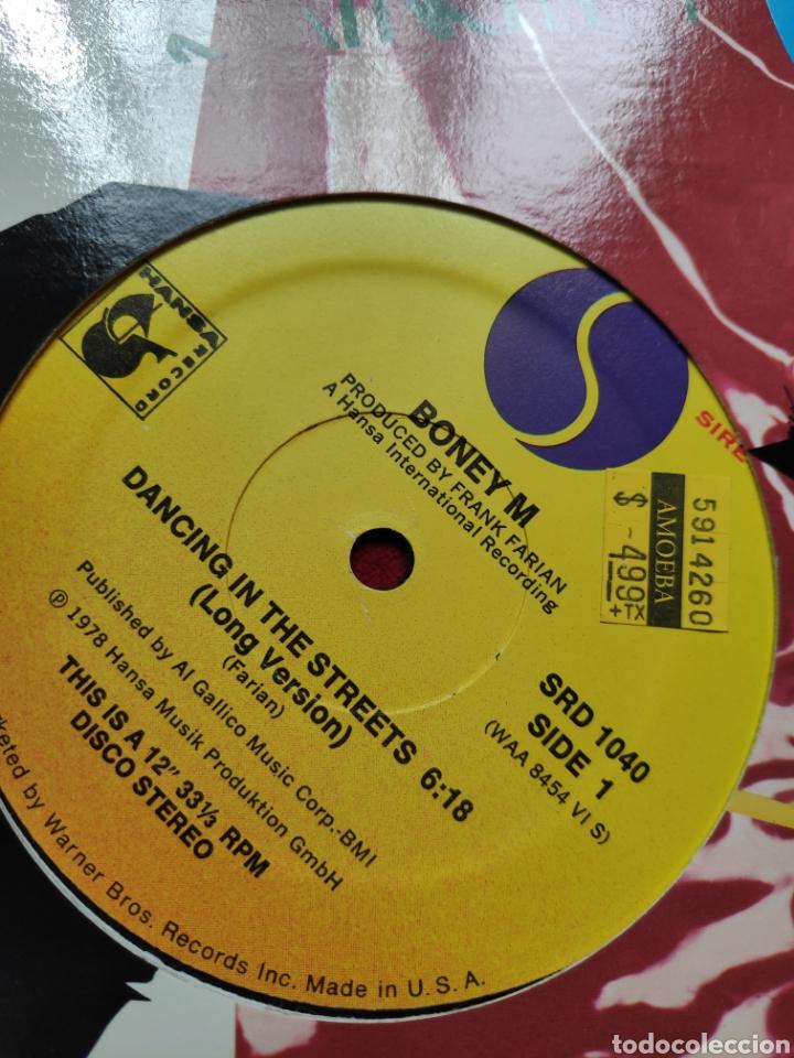 Discos de vinilo: Boney M - Vinilo edición americana - Dancing in the streets + Never change lovers in the middle ... - Foto 5 - 202532625