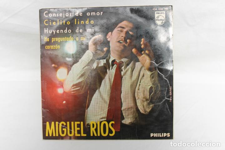 MIGUEL RIOS SINGLE, CONSEJOS DE AMOR / CIELITO LINDO / HUYENDO DE MI / PHILIPS..1965 (Música - Discos - Singles Vinilo - Solistas Españoles de los 70 a la actualidad)
