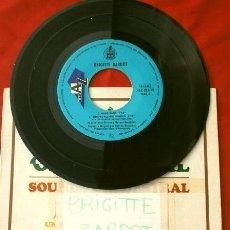 Discos de vinilo: BRIGITTE BARDOT (EP. 1966 ED. ESPAÑOLA - SIN FUNDA) EL SOL (LE SOLEIL) ME CAMBIO DE PISO, GANG GANG. Lote 202678006