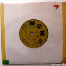 Discos de vinilo: CONNIE FRANCIS - LIPSTICK ON YOUR COLLAR / FRANKIE - SINGLE MGM RECORDS 1959 UK BPY. Lote 202781086