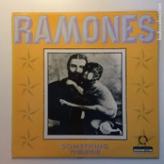 Discos de vinilo: RAMONES – SOMETHING TO BELIEVE IN UK 1986 BEGGARS BANQUET. Lote 203078542