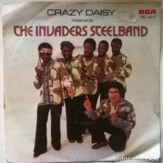 Discos de vinilo: THE INVADERS STEELBAND. CRAZY DAISY/ FRANKIE. RCA, HOLLAND 1979 SINGLE. Lote 203097432
