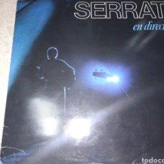 Disques de vinyle: SERRAT EN DIRECTO-DOBLE LP CON AMPLIO LIBRETO-CONTIENE LOS ENCARTES. Lote 203189490