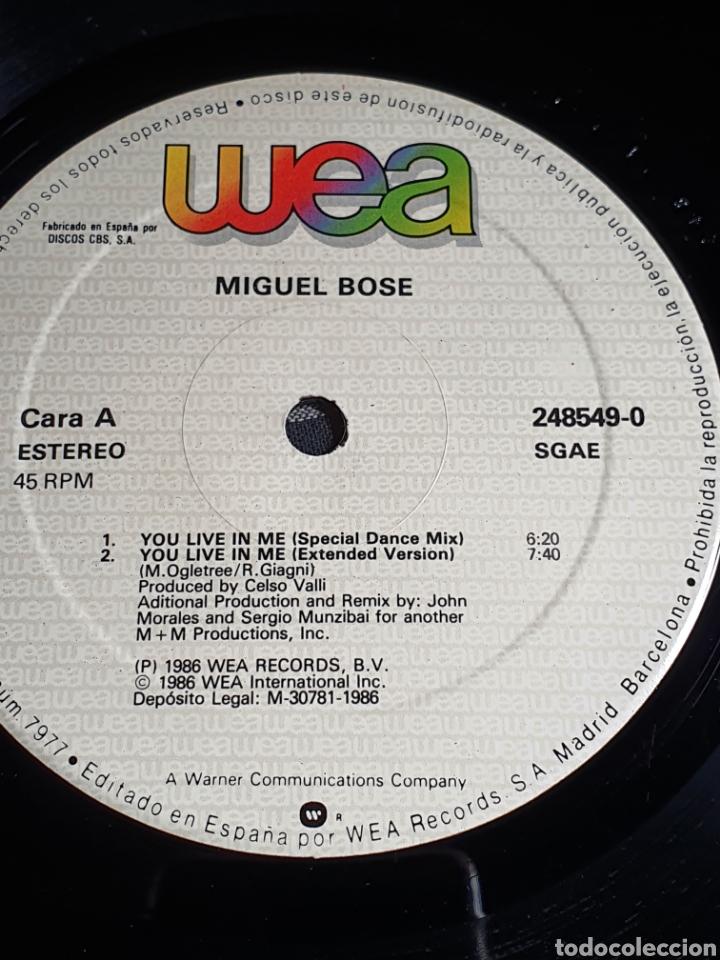 Discos de vinilo: Miguel Bosé ?– You Live In Me, USA Remix, WEA ?– 248549-0, 1986. distribuido en españa, WEA Records. - Foto 8 - 203223645