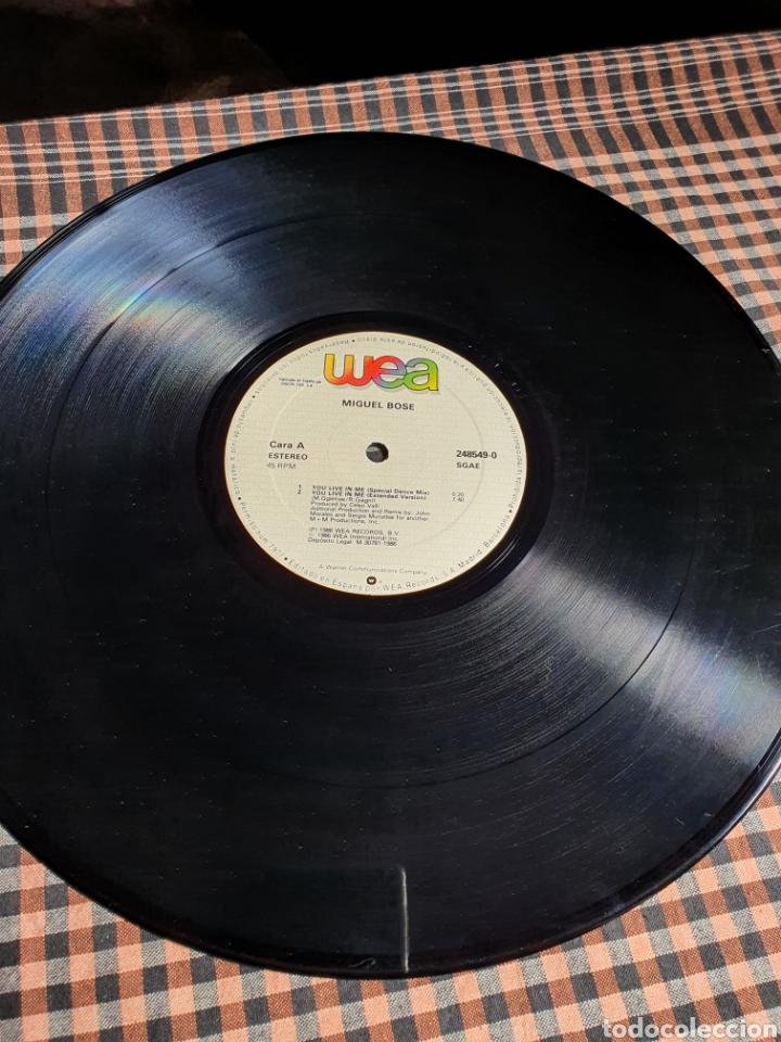 Discos de vinilo: Miguel Bosé ?– You Live In Me, USA Remix, WEA ?– 248549-0, 1986. distribuido en españa, WEA Records. - Foto 9 - 203223645