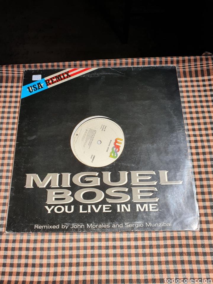 MIGUEL BOSÉ ?– YOU LIVE IN ME, USA REMIX, WEA ?– 248549-0, 1986. DISTRIBUIDO EN ESPAÑA, WEA RECORDS. (Música - Discos de Vinilo - Maxi Singles - Solistas Españoles de los 70 a la actualidad)