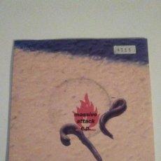 Discos de vinilo: MASSIVE ATTACK E.P. HYMN OF THE BIG WHEEL + 3 ( 1992 CIRCA UK ). Lote 203387201