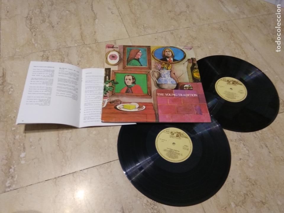 THE YOUNG TRADITION - SPAIN 2 X LP ESPAÑA 1979-COMO NUEVO- CONTIENE LIBRETO DE 48 PAGINAS- (Música - Discos - LP Vinilo - Country y Folk)