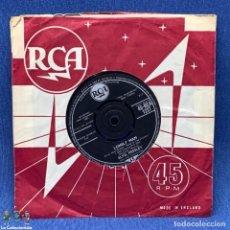 Discos de vinilo: SINGLE - ELVIS PRESLEY WITH THE JORDANAIRES – SURRENDER - 45 RCA1227 - AÑO 1961 - ENGLAND. Lote 204080701