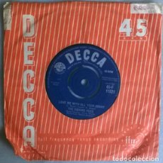 Discos de vinilo: THE SQUARE PEGS. THE SONG IS YOU/ LOVE ME WITH ALL YOUR HEART. DECCA, UK1962 SINGLE. Lote 204102200