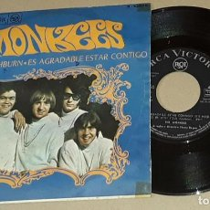 Discos de vinilo: SINGLE- MONKEES - D. W. WASBURN / ES AGRADABLE ESTAR CONTIGO - MONKEES. Lote 204262957