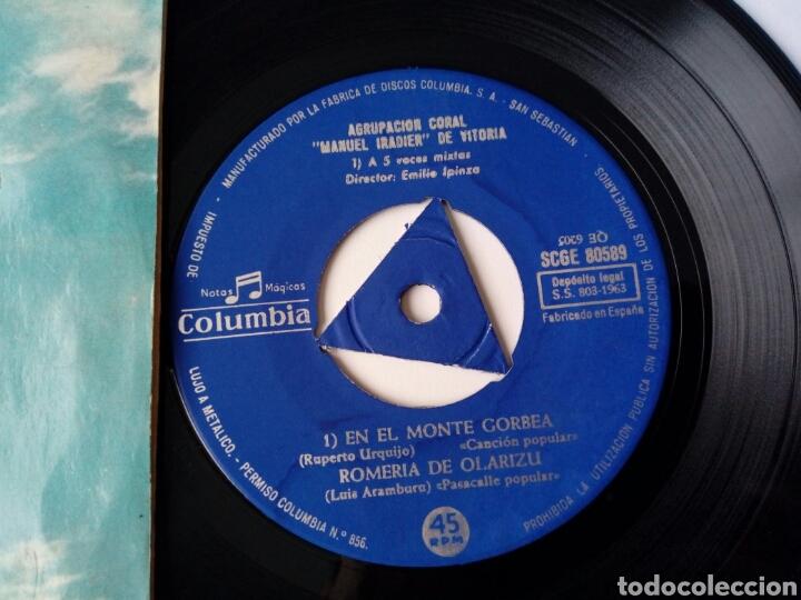 Discos de vinilo: EP: AGRUPACION CORAL MANUEL IRADIER DE VITORIA (Columbia 1963) Celedón, En el monte Gorbea + 2 - Foto 2 - 204384555