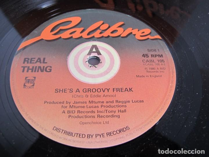 REAL THING / SHES A GROOVY FREAK / MAXI 12 UK / ELECTRONIC FUNK SOUL DISCO 1980S / VINILIO / VG++ (Música - Discos de Vinilo - Maxi Singles - Funk, Soul y Black Music)