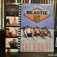 Dischi in vinile: BEASTIE BOYS - SHE'S ON IT. Lote 204441435