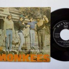 Discos de vinilo: SG: THE MONKEES - A LITTLE BIT ME, A LITTLE BIT YOU + THE GIRL I KNEW... (RCA 1967) EDICIÓN ESPAÑOLA. Lote 204508541