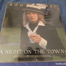 Discos de vinilo: LP UK 1976 ROD STEWART A NIGHT AT THE TOWN MUY BIEN DISCO MUY BIEN PORTADA. Lote 204591882