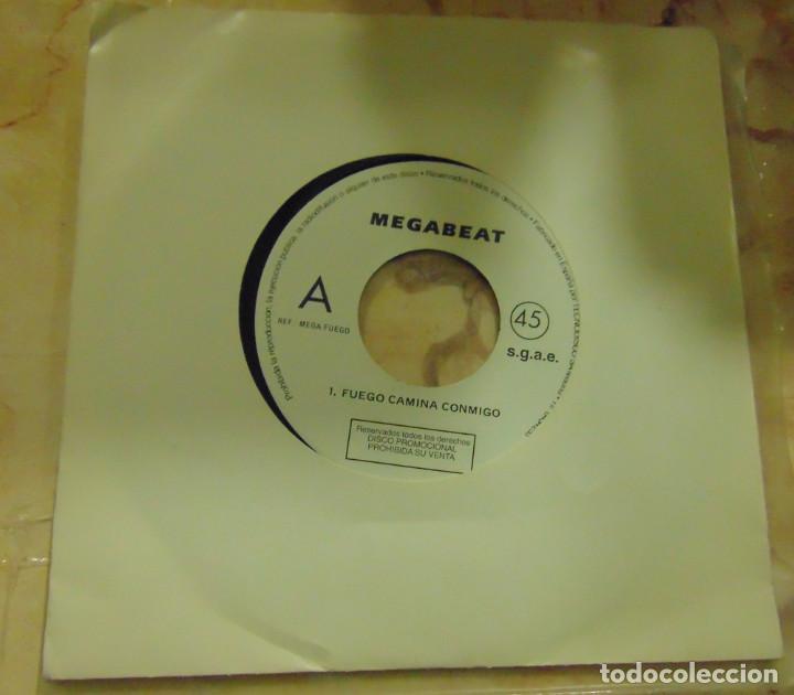 MEGABEAT – FUEGO CAMINA CONMIGO - SINGLE PROMO 1991 (Música - Discos - Singles Vinilo - Techno, Trance y House)