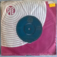 Discos de vinilo: SANTO AND JOHNNY. THEME FROM 'COME SEPTEMBER'/ HOP SCOTCH. PYE, UK 1961 SINGLE. Lote 204841098