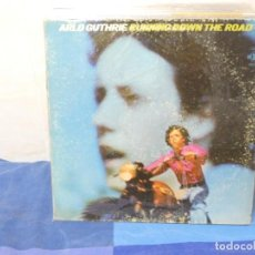 Disques de vinyle: LP CON HERIDAS DE GUERRA NO ABSOLUTAMENTE FATALES A TU RIESGO ARLO GHTHRIE USA CA 1970. Lote 204850117