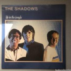 Discos de vinilo: THE SHADOWS . LIFE IN THE JUNGLE,1981. Lote 205512011