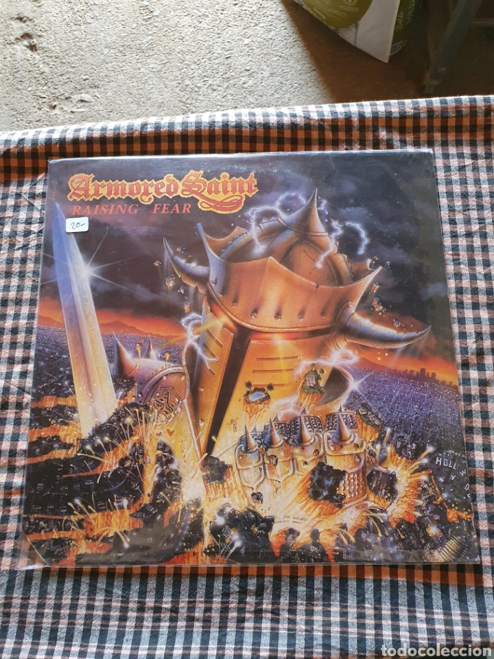 ARMORED SAINT -- RAISING FEAR, CHRYSALIS - BFV 41601, USTED, 1987. (Música - Discos - LP Vinilo - Heavy - Metal)
