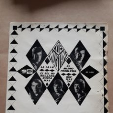 Discos de vinilo: DISCO SINGLE LOS MUSTANG. LA LA LA. EL MISMO PROBLEMA. EL SOL NO BRILLARA NUNCA MÁS. QUE MÁS DA. Lote 205840027