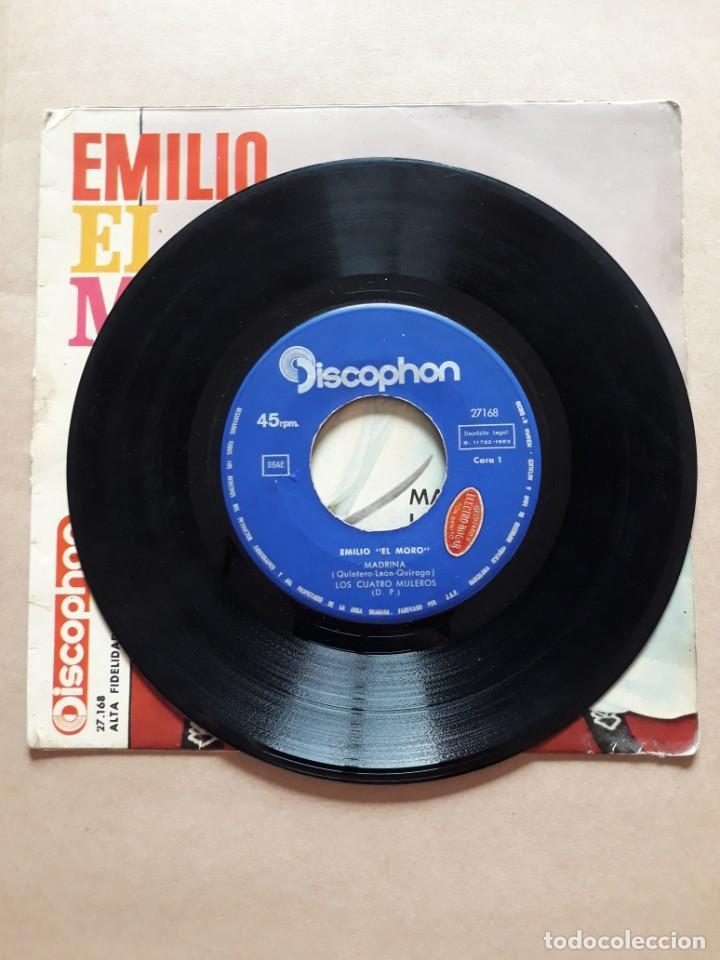 Discos de vinilo: DISCO SINGLE. EMILIO EL MORO. MADRINA. LOS CUATRO MULEROS. EL NIÑO PERDIDO. DAMELO EN UN BIDON. - Foto 2 - 205842390
