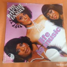 Discos de vinilo: SINGLE ,RITCHIE FAMILY, LIFE IS MUSIC, VER FOTOS. Lote 206164697