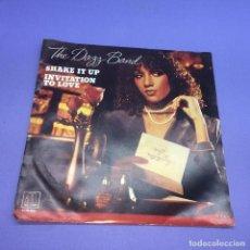 Discos de vinilo: SINGLE THE DAZZ BAND SHAKE IT UP INVITATION TO LOVE VG++. Lote 206171383